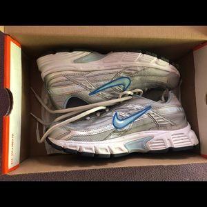 Nike Initiator Women's gym shoes